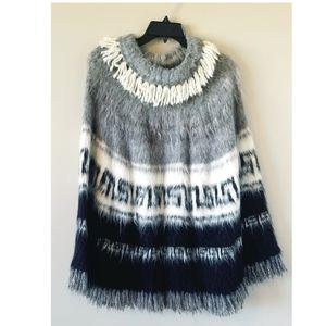 Vintage Peruvian Alpaca Wool Gray Poncho